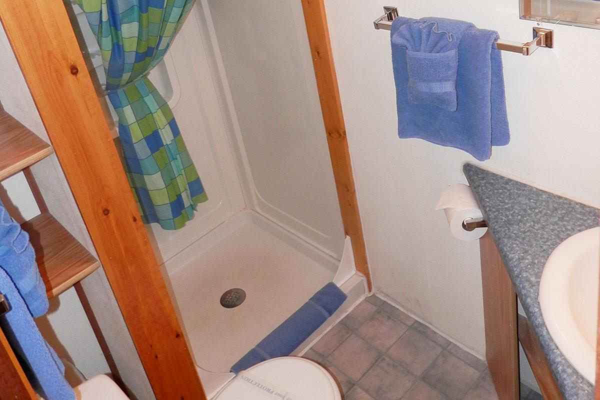 cabin-5-bath