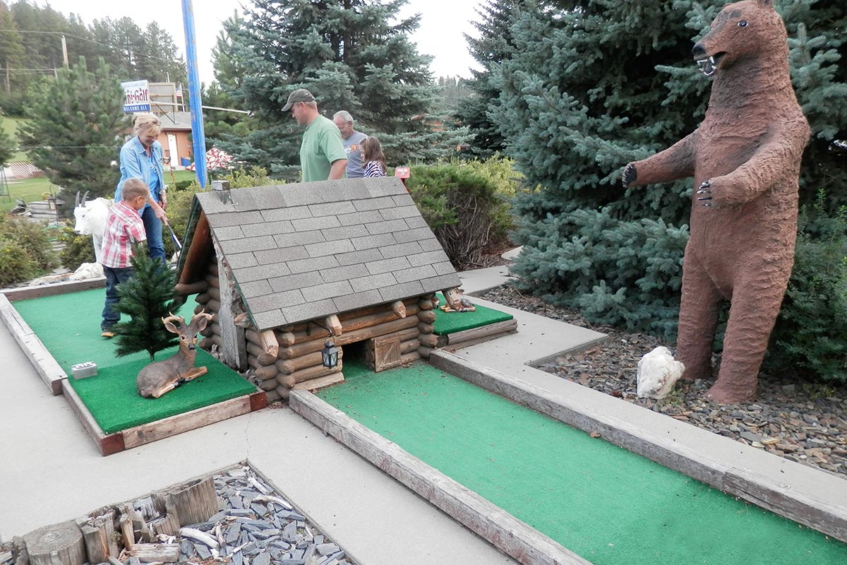 MINI-GOLF-BEAR